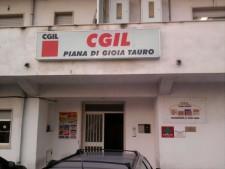 la sede Cgil di Gioia Tauro