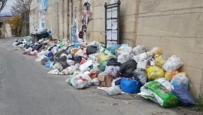 rifiuti per strada