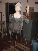 statua soldato ricostruiita
