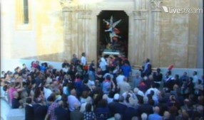 San Michele esce