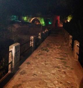 borgo futuro ponte illuminato