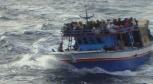 barca mare grosso migranti