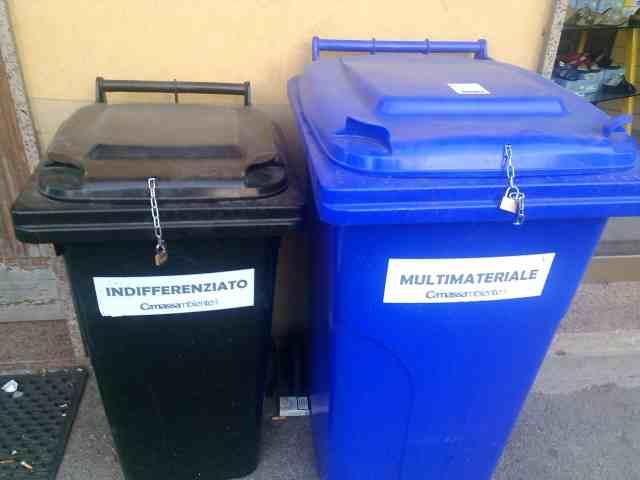 Cinquefrondi ottimi risultati della raccolta - Porta spazzatura differenziata ...