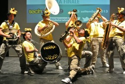 Takabum streed band
